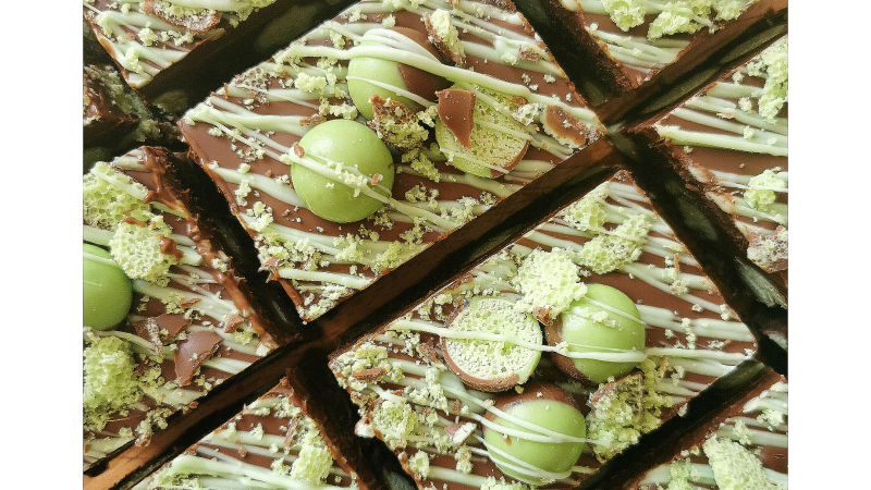 Aero Mint and Oreo Tiffin biscuit cake
