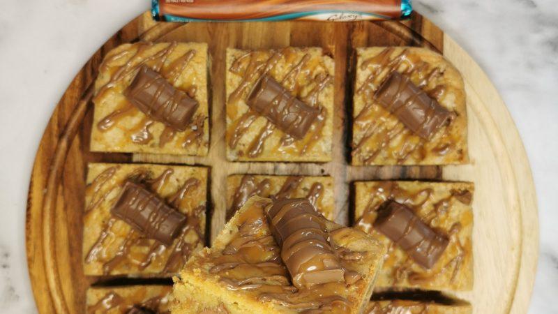 Galaxy Salted Caramel Cookie Bars