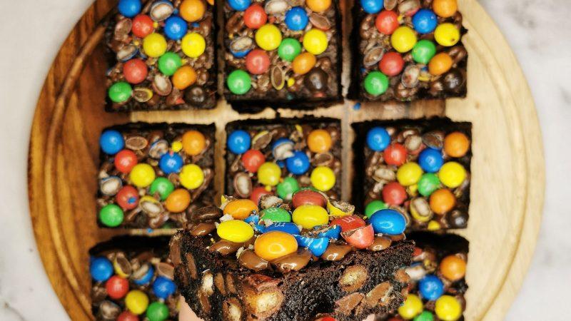 Crispy M&M Brownies