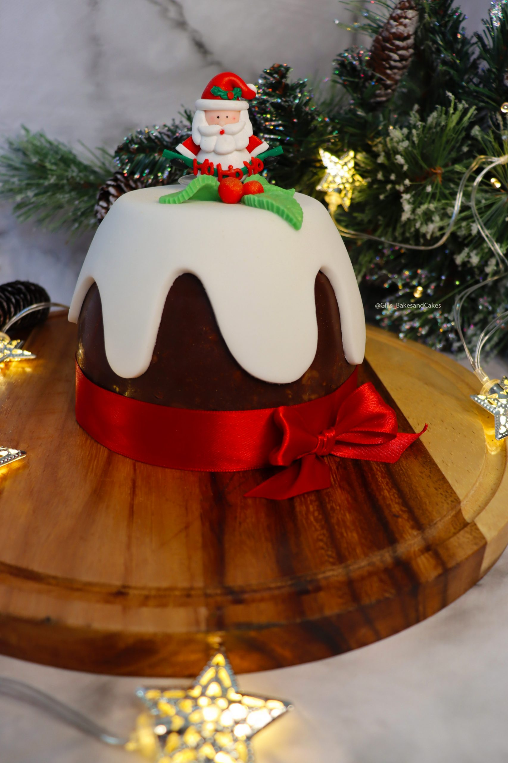 Christmas Pudding Chocolate Biscuit Cake